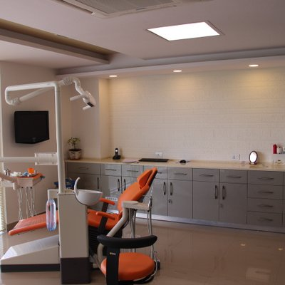 Dr.Motiwala Dental Clinic and Implant Center
