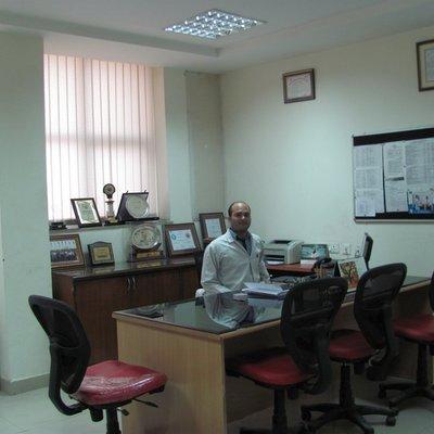 BEST PHYSIOTHERAPIST IN FARIDABAD Dr. Pawan Bhardwaj