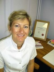 Tina MacNaughton Acupuncture - Suite 7A, Talbot House, High Street, Crowthorne, Berkshire, RG45 7AQ,