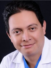 Dr Cesar Ernesto Guevara Perez - Surgeon at Grammo-Sede