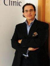 Dr Ahmed Ramzi Salman - Surgeon at Auralia - Dublin