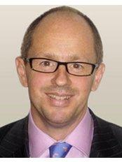 Mr Jamie Kelly BM. Bsc, (Hons). FRCS., Consultant Bariatric Surgeon - Surgeon at Auralia - Kilkenny