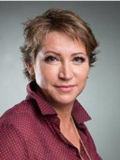 Dr Oksana Derevyanchenko -  at Dr. Toledo-Pimentel Víctor - Hospital Vithas Medimar International Alicante