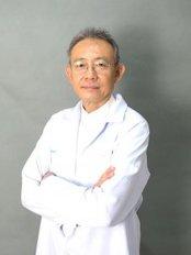 Доктор Chanin Autsawathares - Врач хирург в Rattinan Clinic