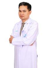 Доктор Pisake Boontham - Врач хирург в Rattinan Clinic