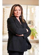 Frau Tendu Gunkan - Fachärztin - Magen Verkleinerung Istanbul