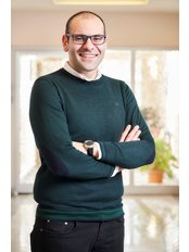 Herr Saro Karagozyan - Facharzt - Magen Verkleinerung Istanbul