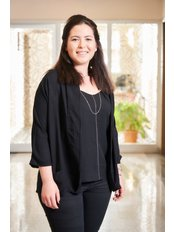 Frau Serra Uctum - Ernährungsberaterin - Magen Verkleinerung Istanbul