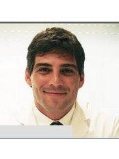 Dr Miguel Avramovic - Doctor at Centro Medico Avramovic
