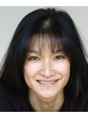 Dr Mandy Hu - Doctor at Ada Cosmetic Medicine