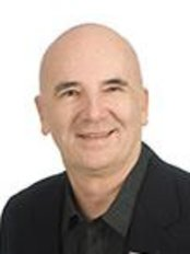 Dr Michael Molton - Doctor at Epiclinic
