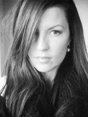 Medicine of Cosmetics - Hayley Batson-Plummer - RN Injector and Director of MOC