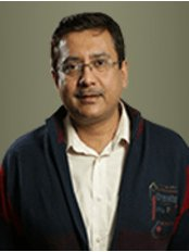 Dr Anand Singh -  at Main Street Cosmetic Centre