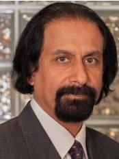 Dr Wasim Sheikh - Doctor at Vibe Salon & Medi Spa