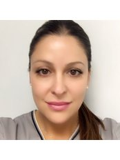 Mrs Roxanne Simon - Practice Manager at Advanced Laser Clinic