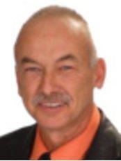 Dr Jim Maytham -  at SKinov8ive