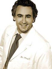 Dr Yoel Moyal -  at clinique Revolution du Plateau