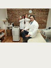 clinique Revolution du Plateau - 4519 Rue Saint Denis, Montreal, Quebec, H2J 2L4,