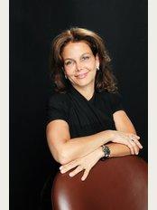 Dr. Stolovitz at Clinique Anti-Aging - 3431 Rue Stanley, Montréal, H3A 1S2,