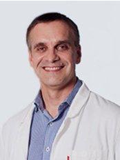 Dr Zoran Weir -  at Derma Venus