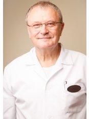 Dr Sven Eving - Surgeon at Vita Clinika