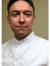 Dr Denis Vaulin - Doctor at Vita Clinika