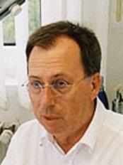 Epilux-Zentrum - Dr. med. Michael Feldmann - Rellinghauser Str. 304, Essen, 45136,  0