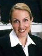 Dr Petra Berger - Doctor at Aerzte - Und Laserzentrum - Frankfurt