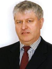 Dr Hermann Rühl -  at Esthetic-med
