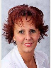 Dr. Irinyi Beatrix - Mester u. 38, Debrecen, 4026,