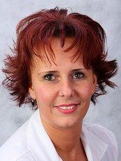 Dr. Irinyi Beatrix - Mester u. 38, Debrecen, 4026,  0