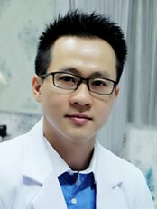 Dr Hermawan Adiguna - Aesthetic Medicine Physician at FMN Clinic - Tanah Abang (Cabang)