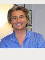 Clinica Dermoestetica del Dott. Fabio Caprara - Cinisello Balsamo - via Francesco Guardi n.50, Cinisello Balsamo,