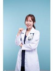Dr . Jacqueline - Dermatologist at Dr Chong Clinic (Premium)