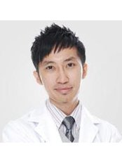 Dr David Low Teck Wai - General Practitioner at MCU Clinic