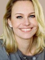 Dr Katja Kiewiet De Jonge - Chief Executive at Kiewiet De Jonge Clinic -Rotterdam