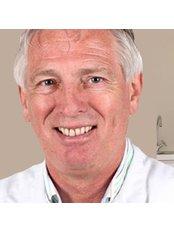 Dr Chris den Hengst - Doctor at Kiewiet De Jonge Clinic -Rotterdam