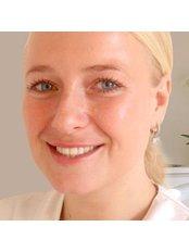 Ms Lisa van Aarssen - Doctor at Kiewiet De Jonge Clinic -Rotterdam