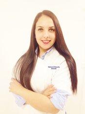 Dr Anna Ferdowsbari - Doctor at Natural Beauty Kliniek - Dokter Elham Alizadeh - Rotterdam