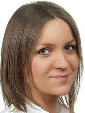 Dr Marianna Tomaszewska - Giezek -  at Estetiq Poznan