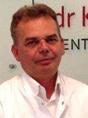 Dr. Jan Korzeniewski - Arzt - Dr. Kulczycka Centrum Estetyki