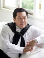 Dr David Loh -  at Touche Elite - Palais Renaissance