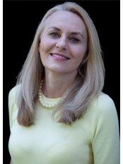Dr Ewa Siolo - Aesthetic Medicine Physician at Lueur Aesthetics & Wellness