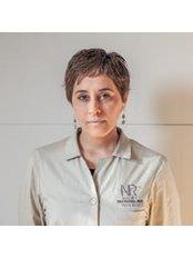 Dr Moona Asadi - Doctor at Institut Dra Natalia Ribe