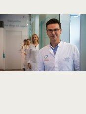 Arques Clinic - Ramon Areces SN complejo marina Banus bloque 3, n. 29, Marbella, Malaga, 29660,