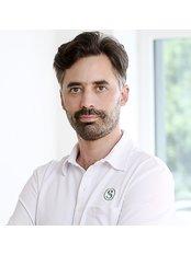 Dr Philippe Snozzi - Principal Surgeon at Smoothline