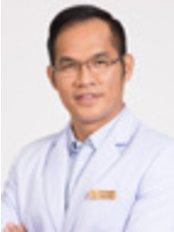 Dr Worawit Kitisakronnakorn -  at BBH Hospital