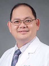 Dr Panot Yimcharoen - Surgeon at Rattinan Clinic