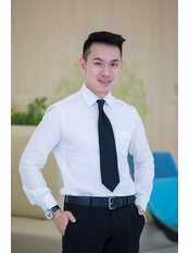 Dr Wittawat Naewwongse - Doctor at Rattinan Clinic