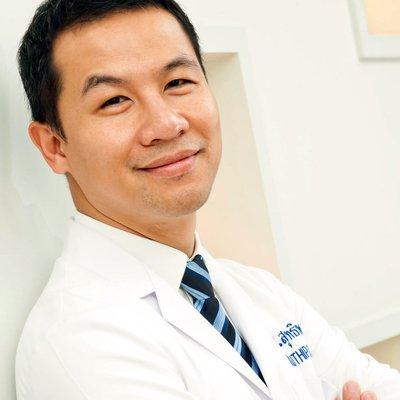 Dr Suthipong Treeratana